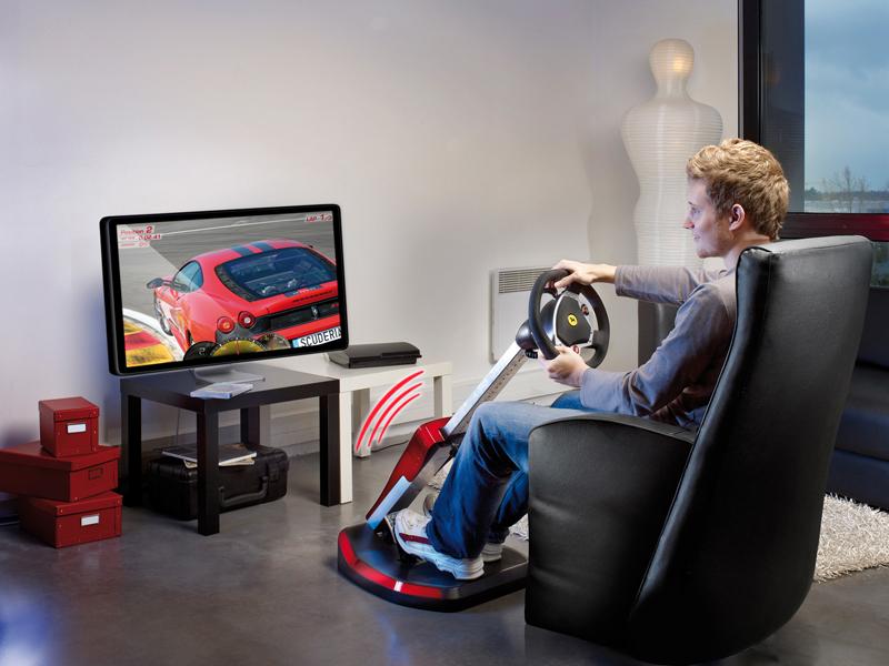 Thrustmaster Neues Lenkrad Durch Ferrari Inspiriert